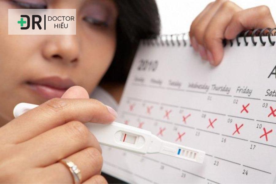 Khi uống thuốc tránh thai hoặc rối loạn kinh nguyệt ở nữ, nóng gan